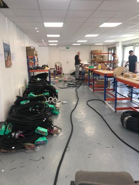 Atelier de montage des pieuvres électriques